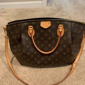 AUTHENTIC Louis Vuitton over the shoulder bag!!!!